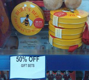 Walgreens-Burts-Bees-Gift-Set.png